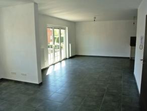 Dans une toute nouvelle résidence tout confort, bel appartement situé au 1er étage gauche composé comme suit:<br /> Hall