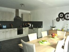 Dans une toute nouvelle résidence tout confort, superbe appartement situé au 1er étage droit avec emplacement de parking compos&e