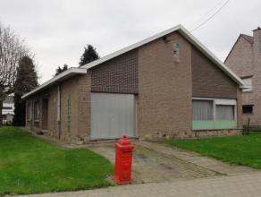 Kapelle-op-den-Bos: Ruime gezinswoning met 3 slaapkamers (bew. opp. 162m2 + 105m² nog in te richten zolder) rustig gelegen nabij de vaart. Deze w