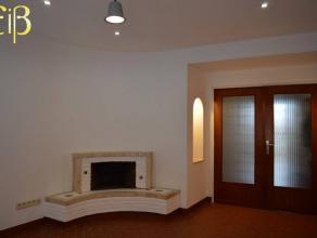 """Appartement lumineux entièrement rénové faisant partie de l""""immeuble """"REGINA"""",à proximité de toutes commodit&"""