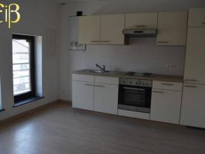 Appartement 2 chambres, entièrement rénové.Situation :Chaussée de Lodelinsart, 115A/021, 6060 GILLYSitué au 2