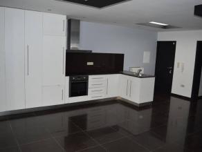 Appartement de +- 80m²entièrement rénové,situé au rez-de-chaussée, avec terrasse et jardinSituatio