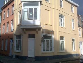 Centre ville, à 500 m de la gare, appartement 2 chambres neuf de 48 m2 au rez de chaussée. Cuisine super équipée avec frig
