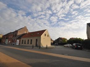 Moderne energiezuinige stadshoeve (gevelbreedte 12,3m) in het centrum van Kontich.  Totaalrenovatie van deze mooie hoekwoning met 3 grote slaapkamers