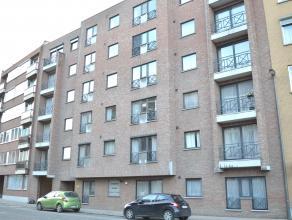 TIENEN Waaiberg 32: Appartement op 2° verdieping. Ruime living, ingerichte keuken en badkamer, wc, 1 slaapkamer. Afgesloten autostaanplaats en fie
