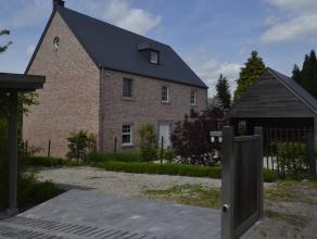 A Chapelle-Lez-Herlaimont, pour cause de départ à l'étranger, magnifique villa (louée meublée), nouvelle constructi