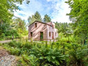Deze recente (2010) open bebouwing werd gebouwd op een perceel van 341m² in de bossen van Wingene.  Deze energiezuinige woning geniet van veel li