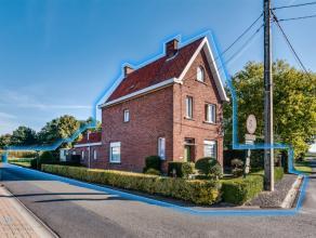 Deze te moderniseren woning geniet een rustige ligging op een perceel van 500m². Deze stevige woning is gelegen te Rumbeke/ Zilverberg en kent ee