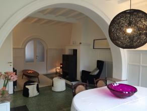 Roommate gezocht !! Privé slaapkamer (4m x 4,5m) met gedeelde woning ter beschikking. Vernieuwde keuken met ruime living, luxueuze badkamer. V