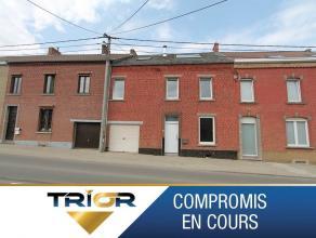 TRIOR Nivelles vous propose une maison rénovée de 160m² sur un terrain de 5a90ca. Elle se compose comme suit: Au rez de chauss&eacu