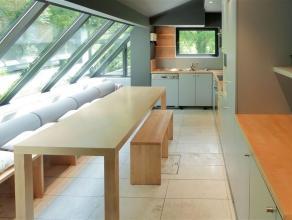 TRIOR vous propose, à la limite de Rixensart dans un environnement calme et verdoyant cette charmante maison construite sur un terrain de 25a.