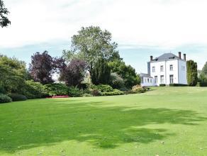 Splendide maison de caractère avec jardin d'un hectare et terrain à bâtir de 17 ares située dans un endroit calme mais &agr