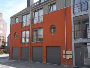 A proximité immédiate du centre, à 2 pas de la gare et des accès routier Namur-Charleroi, dans une petite Résidence