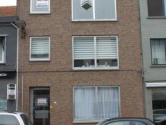 Een 2 slaapkamer appartement in het centrum van Brasschaat op een boogscheut van winkels, scholen en openbaar vervoer. Het appartement beschikt over e