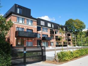 Dit prachtige appartement is gelegen nabij het centrum van Kortrijk en de belangrijke verbindingswegen.Het appartement is zeer praktisch ingericht en