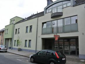 Dit appartement wordt te huur aangeboden. Rustig gelegen, nabij belangrijke invalswegen en het treinstation van Haaltert.2 slaapkamers, ruime woonkame