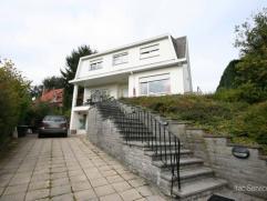 Villa 4 façades dans un cartier calme et résidentielle, près du Carrefour, BSB, parc et centre de Tervuren. Rez-de-chaussé