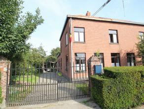 Maison 3-facades avec quelques annexes pour stockage/étables avec un jardin très spacieux situé à Tervuren (Vossem). Rez-d