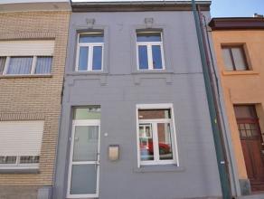 Maison entièrement rénové de 3 chambres à Tervuren. Hall d'entrée, salon avec parquet (440x342), cuisine enti&egrav