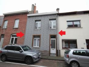 Maison 2-facades, très agréable situé dans le centre de Tervuren. Rez-de-chaussée: hall d'entrée, toilette s&eacute