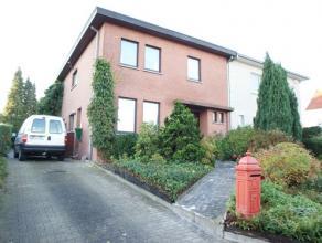 Belle maison 3 façades avec terrasse couverte et jardin, agréable location à proximité du parc, endroit calme et verdoyant