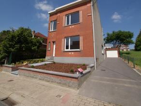 Maison détachée à Vossem, entièrement renové. Rez de chaussée : hall d'entrée (8m²), salle de s&