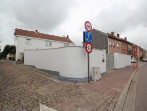 Belle maison entièrement rénovée situé dans le centre de Duisburg, à proximité des magasins, transports en c