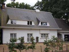 Gebruik: - Woning Mooie villa met appartement(loft) en zwembad. Deze woning heeft verschillende mogelijkheden. Op het gelijkvloers is ook een handelsp