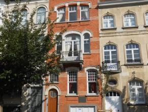 SCHAERBEEK (quartier Diamant), à deux pas du Square Plasky, dans une rue calme et arborée, magnifique maison (+/- 250m2) rénov&ea