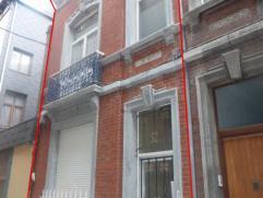 Maison situé en plein centre de Liège idéalement situé. Actuellement subdivisée en 8 studios avec mezzanines. Compo