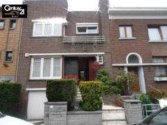 Charmante maison à louer situé dans un quartier résidentiel  garage, cave, terrasse jardin très bien entretenu. hall d'ent