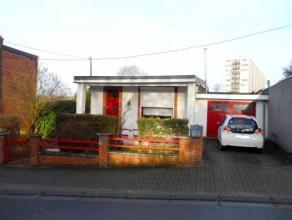 Bonne petite maison de plain-pied bien située dans une rue calme en sens unique à proximité immédiate des divers services