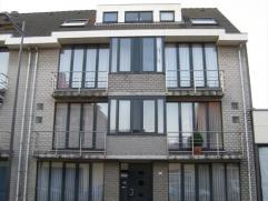 Mooi dakappartement in het centrum van Essen, op wandelafstand van het station. Het appartement omvat 1 slaapkamer, ingerichte keuken en badkamer en z