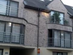 AALST - centraal gelegen instapklaar dakappartement. Dit appartement omvat een leefruimte met ingerichte open keuken, ruime berging, badkamer met ligb