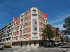 Altitude 100: au 5ieme étage, Très lumineux appartement complément rénové avec belle vue ouverte, 2 chambres dont u