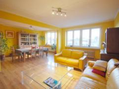 Avenue Molière : Appartement +/-115m² très lumineux en excellent état 2 chambres + bureau et terasse. Spacieux séjour