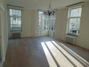 Appartement LOUER Bruxelles 1250 EUR Retour la liste GRAND PLACE SAINT JACQUES : Appartement de caractre trs lumineux entirement rnov avec soins en 20