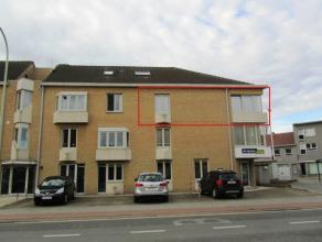 Mooi ruim licht appartement op de 2de verdieping met 2 slaapkamers en autostaanplaats. Indeling: glvl: privéberging, fietsenberging,autostaanpl