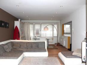 Mooi, stijlvol appartement in Sint-Amandsberg, gelegen op een steenworp van centrum Gent en nabij verschillende winkels, openbaar vervoer en centrale
