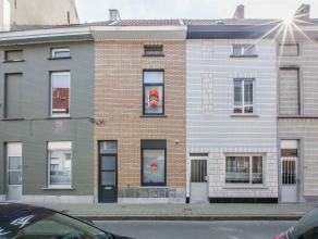 Mooie charmante woning in het geliefkoosde Gent; nabij centrale wegen en haltes van het openbaar vervoer. Deze leuke woonst is dankzij de vier volwaar