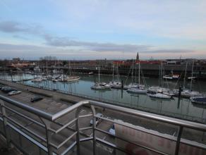 Op de Rederskaai verhuren wij een appartement met een prachtig uitzicht op de jachthaven. Het appartement beschikt over volgende indeling: inkom, woon