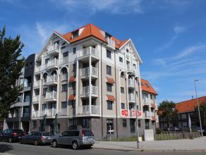 Vlakbij de supermarkt, de bank, het openbaar vervoer en de Jachthaven verhuren wij een prachtige afgewerkt appartement met volgende indeling: inkomhal