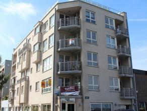 Vlakbij de Jachthaven van Zeebrugge verkopen wij een appartement met volgende indeling: hall, toilet, ingerichte keuken, woonkamer met ruim terras ( P