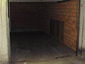 Privatieve garagebox gelegen in het centrum van Deinz. Op wandelafstand van het treinstation. Donza Center Parking 65 EUR