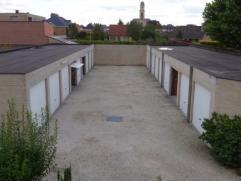Garage Afgesloten garagebox, maandelijkse huurprijs te vermeerderen met verbruik water en elektriciteit. Res. Vennenhof 55 EUR