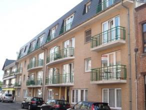 Knus appartement met 1 slaapkamer bestaande uit inkomhal, leefruimte met balkon, open ingerichte keuken met de nodige toestellen, badkamer, 1 slaapkam