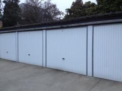 Vastgoed Verhaeghe biedt U garageboxen aan in centrum van Gistel: 60 euro per maand. Twee verschillende locaties: stationsstraat 48 en Haenebrouckstra
