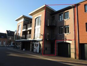 Mooie duplex in het centrum van Peer met alle faciliteiten op wandelafstand.Het appartement is gelegen op de eerste verdieping en omvat een aparte ink
