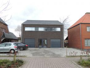 Nieuwbouw gelijkvloers appartement van 151m² op wandelafstand van het centrum van Hechtel.Het appartement omvat een inkomhal, gastent