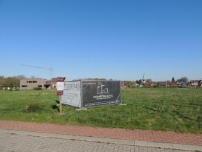Mooi en goed gelegen bouwgrondmet stedenbouwkundig attest voor open bebouwing en een totale oppervlakte van 490m².Lot 36, gelegen in